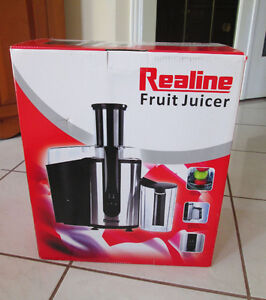 Realine Fruit Juicer Never used.  New in Box. $45