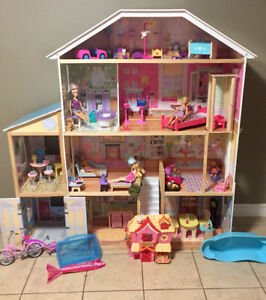 Large Barbie house with accessories!