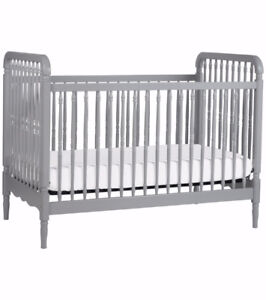 Liberty 3-in-1 Convertible Crib by Million Dollar Baby Classic