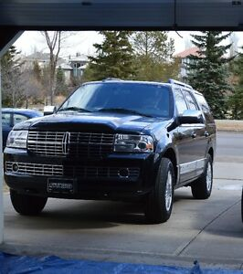 2013 Lincoln Navigator SUV, Crossover in very good condition