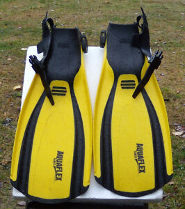 Genesis dive fins with Akona boots