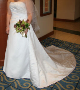 Maggie Sottero Size 16 Wedding Dress