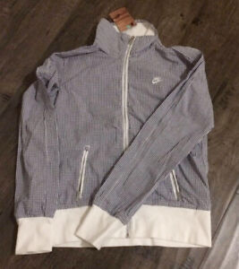New With Tags Nike Zip Jacket Size Small