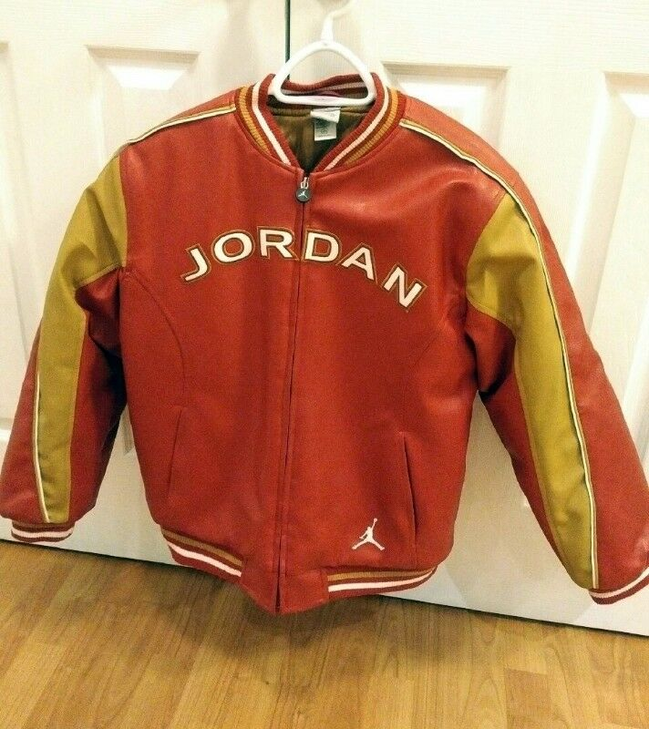 ca6e21343d3eb0 Rare Red NIKE MICHAEL JORDAN LEATHER JACKET (LARGE )