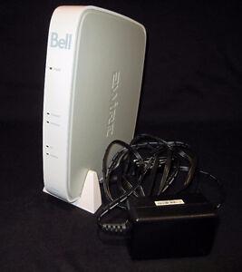 """= = = MODEM / ROUTEUR ADSL BELL """"2WIRE"""" MODÈLE 2701HG-G = = ="""