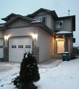 Duplex Fully Finished in Inglewood! Pets OK!