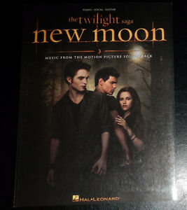 """""""New Moon"""" piano book – used once"""