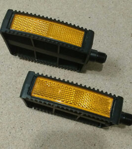 NEW BICYCLE PEDALS  L/R