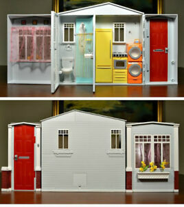 Barbie Mattel Totally Real Fold Up Doll House