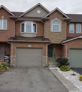 Freehold townhouse in Stoney Creek