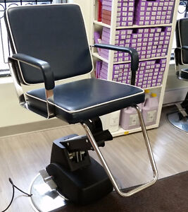 AVANTI STYLING/BARBER CHAIR WITH AN ELECTRIC HYDRAULIC BASE