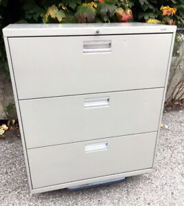 LOCKING w/ KEY 3 Drawer HON Lateral filing Cabinet SEE VIDEO