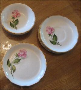 Vaisselle Reine des Roses (bordure or 22 carats)