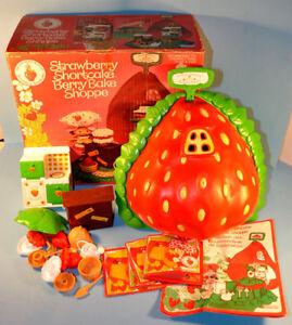 Vintage Strawberry Shortcake Bake Shoppe 1980 Playset Napanee