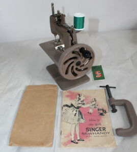 Antique Singer Sewing Machine SewHandy Child's Vintage Toy