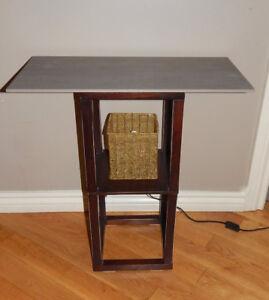 UNIQUE LAMP - TABLE