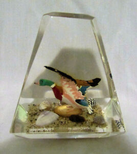 Vintage Pair of Goose & Duck Lucite Acrylic Paperweights Kitchener / Waterloo Kitchener Area image 4
