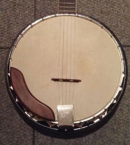 5 String Banjo and chipboard case