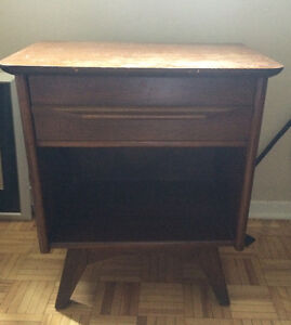 Gibbard mid century walnut bedside tables   300,00 for the set