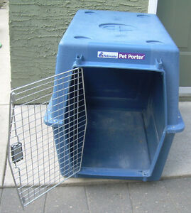 Dog carrier for large dog. Petporter. Near Chinook