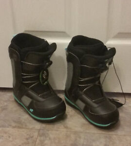 Ladies Size 6 K2 snowboard boots