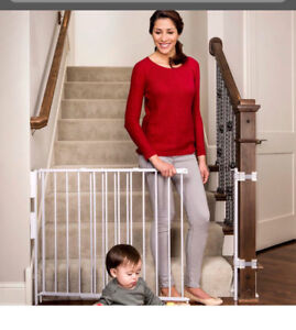 Regalo tall metal baby gate