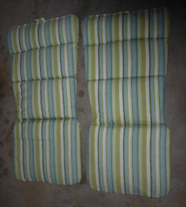 2 pairs cushions for high back patio chairs $ 10\pair Kitchener / Waterloo Kitchener Area image 1