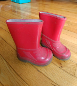 Toddler Red Rain Boots - size 7 - great condition
