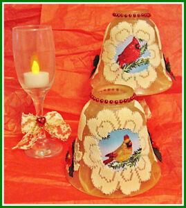 CHRISTMAS CARDINAL & LACE WINE GLASS TEA LIGHT LAMPS.