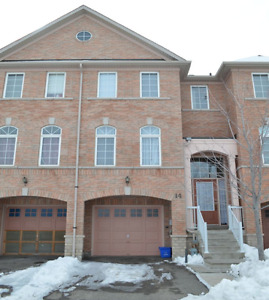 4 bedroom townhouse rental- walking distance to Sheridan College