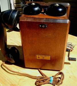 Northern Electric Antique Crank Wall Phone