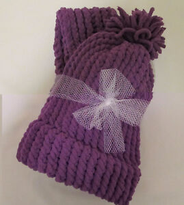 CHRISTMAS HOLIDAY SALE - KNITTED HATS AND SCARVES Windsor Region Ontario image 1