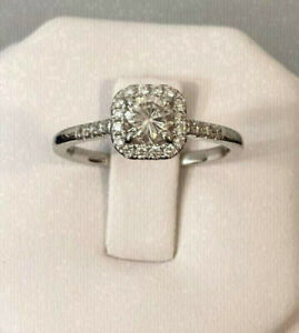 18k white gold Halo diamond engagement ring *Certified at $3,300