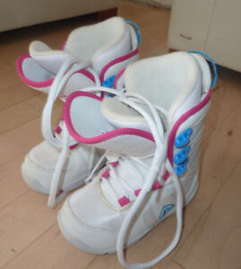 Snowboard boots, youth size 2, like NEW condition