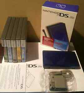NINTENDO DS LITE PACKAGE  / ENSEMBLE NINTENDO DS LITE
