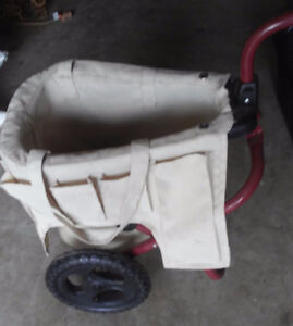 Portable garden tool trolley including the tools