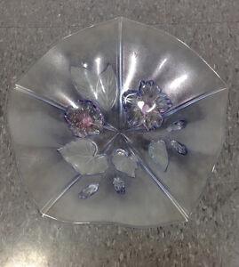 Glass bowl in flower petal design Cambridge Kitchener Area image 4