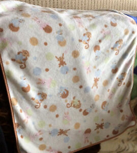 embossed teddy quilt Winnie the Pooh & other blankets Kingston Kingston Area image 3