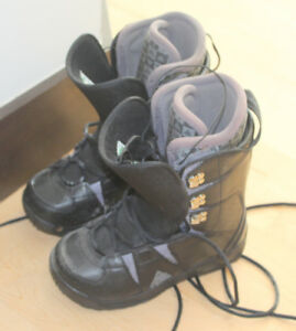 K2 snowboard boots, size 7, like NEW