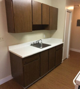 Pet Friendly 1 Bedroom Units starting from $800 - Chateau Garden