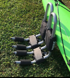 Thule Hull-a-Port Kayak Carrier with locks and Thule Straps
