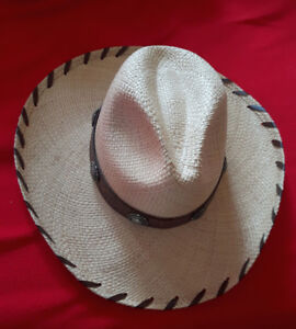 Nice Cowboy hat Perfect for summer days ,size 7 5/8( XL)
