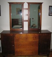 Commode en bois avec miroirs / Wood Dresser with Mirrors
