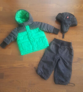 BABY WINTER SUIT SIZE 6-12 m (fits up to 2 years)