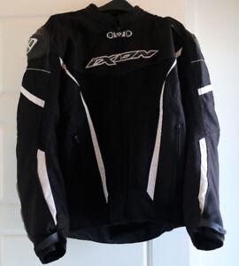 vêtement de moto