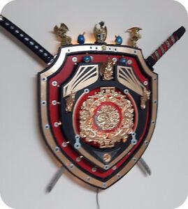 Double Dragon Shield display