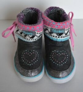 SKECHERS Youth Size 5