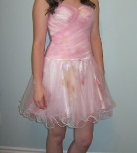 Beauiful Pink Prom/Grad Dress - Size 00