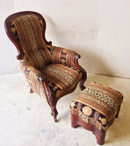477: Lovely Victorian Style Armchair And Ottoman