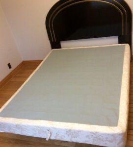 Queen Size Headboard, Deluxe Bed Rails & Boxspring - St. Thomas